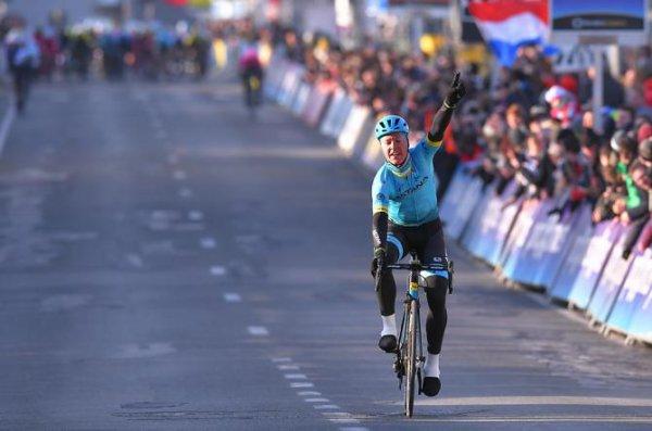 Gand(Bel).Omloop Het Nieuwsblad Hommes UCI WE 1.1.Gand - Meerbeke 122.1 km.Samedi 24 février 2018