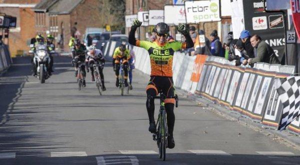 Dour(Bel).Le Samyn des Dames UCI 1.2. Quaregnon  - Dour 103 km. Mardi 27 février 2018