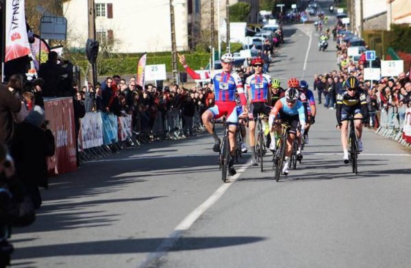 La Roche-sur-Yon(85).La Bernaudeau Junior UCI MJ 1.1. La Roche-sur-Yon - La Tardière 128 km.Dimanche 18 mars 2018