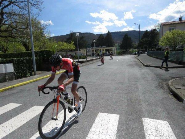 AUSSILLON(81).Souvenir Claude Puech.Grand Prix d'Aussillon.2,3 Juniors 80.5 Kms.Dimanche 15 avril 2018