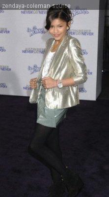"""Photos de Zendaya a l'avant premiere du film """"Never say never"""" le 8/02/11."""