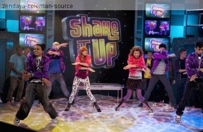 """Still de l'épisode 13 de """"Shake it up;Glitz it up"""""""