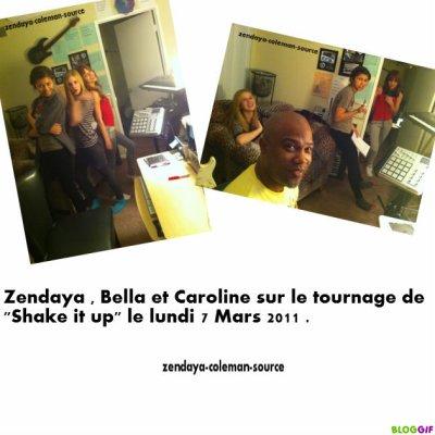 """Zendaya Bella et Caroline sur le tournage de""""Shake it up"""" le lundi 7 mars 2011"""