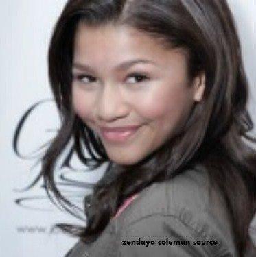 Voici la seul photo de Zendaya que j'ai trouvé eu MTV Movie Style Lounge datant du 3 juin 2011 .