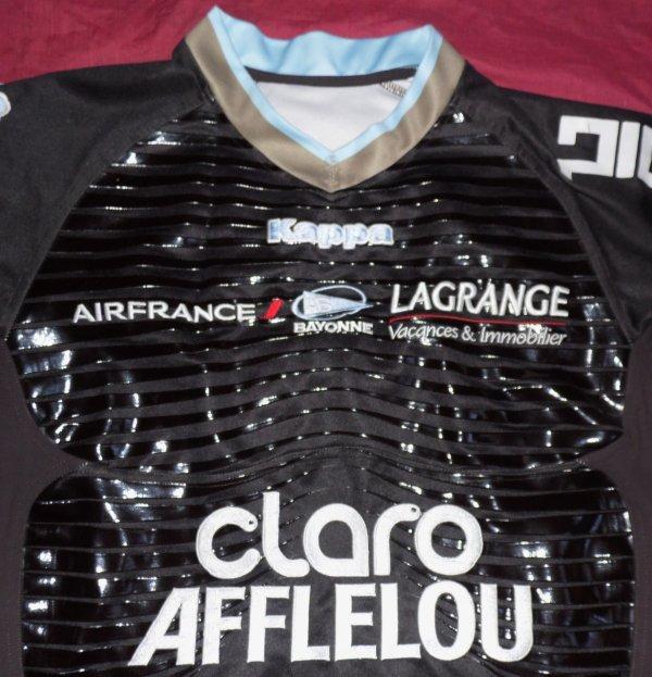 Maillot de match de l'Aviron Bayonnais N°2 porté par David Roumieu contre le Racing le 22/10/2006