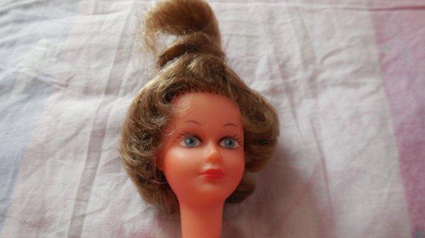 poupée trouvée hier en vg