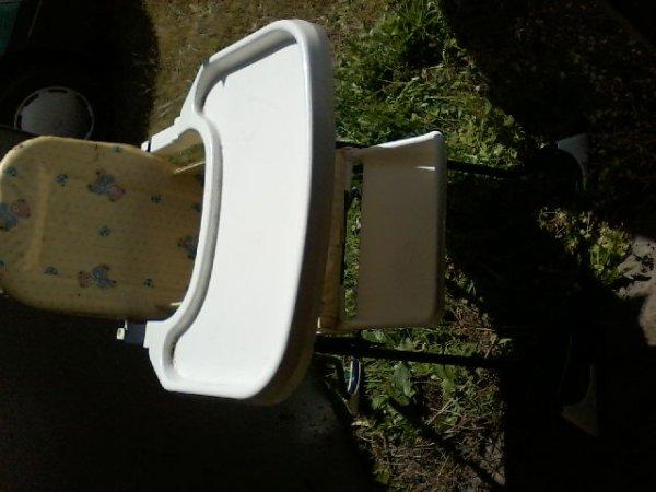 chaise haute bb 15euros