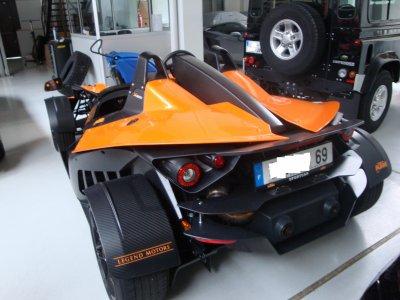 Garage lamborghini lyon ktm x bow jk2a kev1 auto for Garage auto lyon