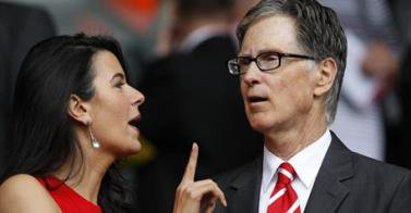 Liverpool's owners have been challenged to publicly explain their strategy for the club by a leading fans' group.