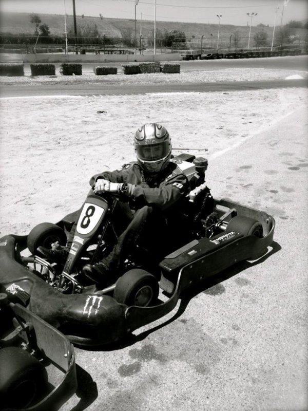 Devinez quoi...qui a été le plus rapide une nouvelle fois sur la piste de karting?