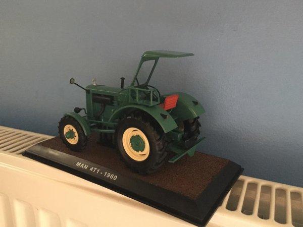 a vendre : tracteur MAN 4T1 de 1960    30 euros   ( vendu )