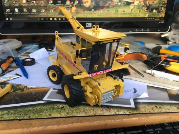 Ensileuse new holland 2305