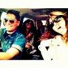 Photo posté par l'amie de Selena, Samantha Raye Droke, Selena et ses amies dans l'auto toutes excité pour COME AND GET IT !!