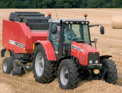 Tracteur Massey Ferguson  avec presse Massey Ferguson