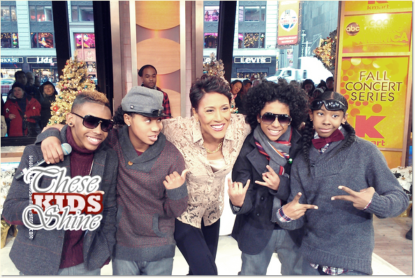 » Mindless Behavior dans l'émission Good Morning America.