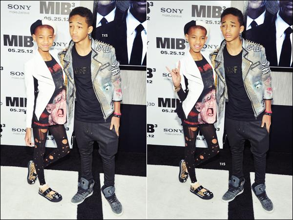 Découvrez des photos de Jaden et Willow Smith posant pour les photographes à la première de Men In Black 3 (23.05.2012)