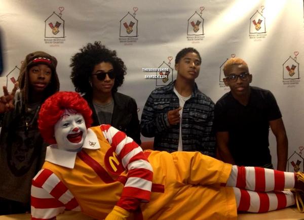 06.08.2012  MB au Atlanta Ronald McDonald House Charities qui consiste à améliorer la santé des enfants malades et en difficultés.