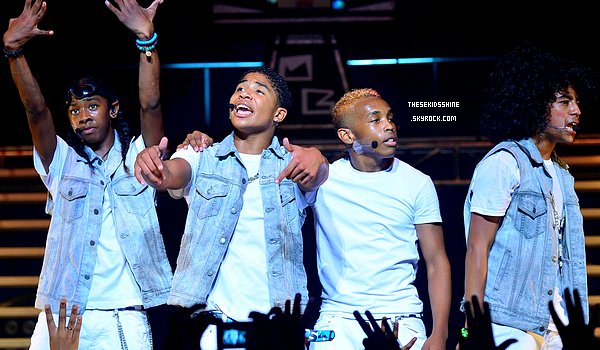 04.08.2012 Découvrez des photos de Mindless Behavior sur scène pour le #1 Girl Tour à Atlanta il y a quelques jours.
