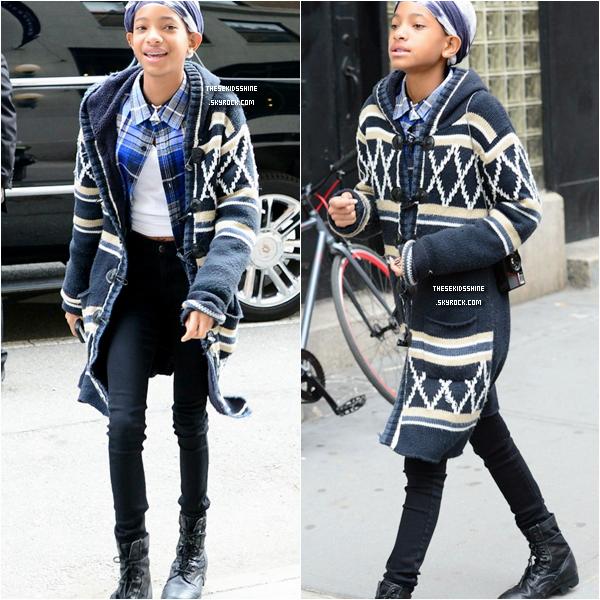 » Rattrapage des news.  Jaden Smith a été aperçu dans les rues de New York City alors qu'il tournait un clip. Willow Smith était aussi de la partie !  // 25 Février 2013