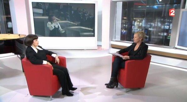 MIREILLE MATHIEU EN INTERVIEW SUR FRANCE 2