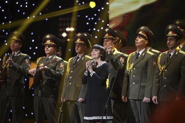 Les 50 ans de carrière de Mireille Mathieu célébrés ce samedi sur France 2.