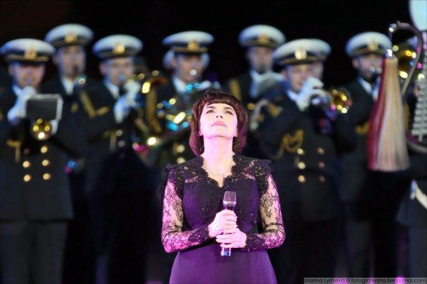Mireille Mathieu - Moscou 2016