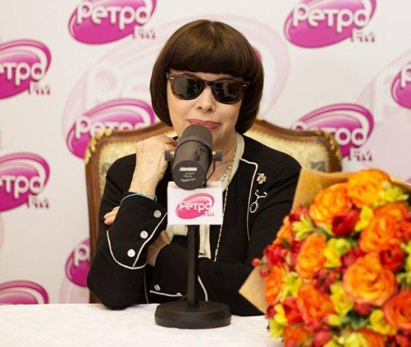 Mireille Mathieu - http://retrofm.ru/