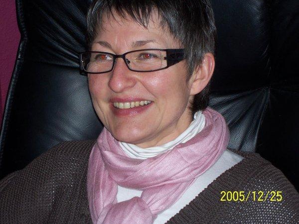 merci mon amie Christine**  pour cette superbe amitié,gros KISSSSS du coeur