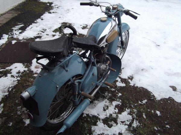 nouvelles motos...peugeot 125 55tc  1953