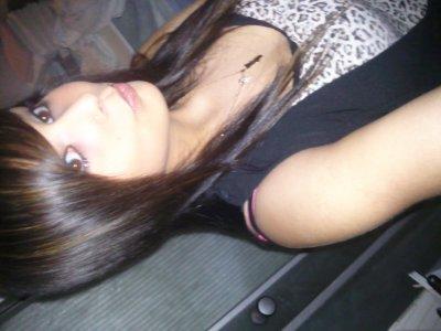 Anaïs  . 19 ans  .  Wattrelos   . Portugaise  .  En couple  <3