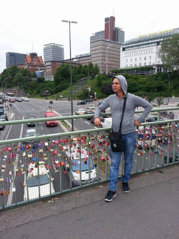 Pont d'amour (Hamburg, Germany) ;)