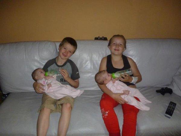 les princesses avec leur grand frère et grande soeur sherley et lorenzo
