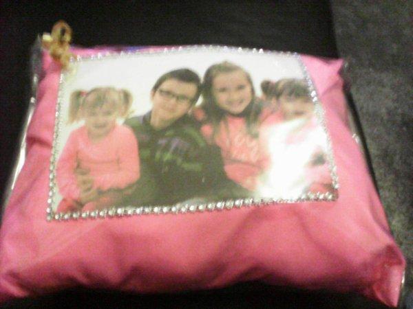 voilà le cadeau de noel que ma fille m'a offert 4 de mes petits enfants
