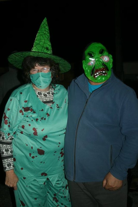 moi et mon mari pour Halloween au camping