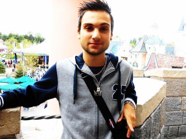 Encore une petite photo de moi :)