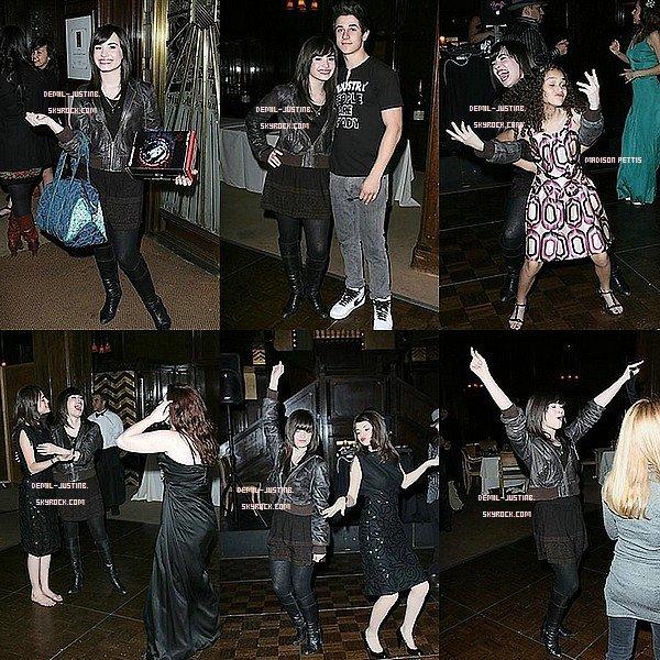 Flackback - 17.02.09 - Demi a été à l'anniversaire de Jennifer Stone pour ses 16 ans en compagnie de Selena Gomez,David Henrie,Sa Mère & Madison Pettis.Ils ont l'air de bien s'amuser !