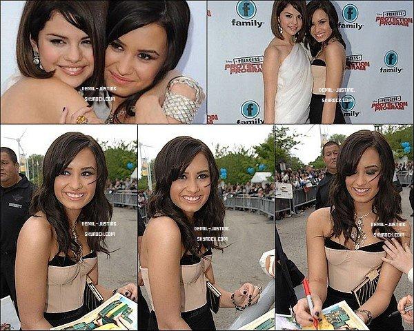 18 Juin 2010 - Demi & Selly ont été à l'Avant-Première de Princess Protection Program à Toronto. J'adoore les 2 best,elles sont tro mignone ensemble !