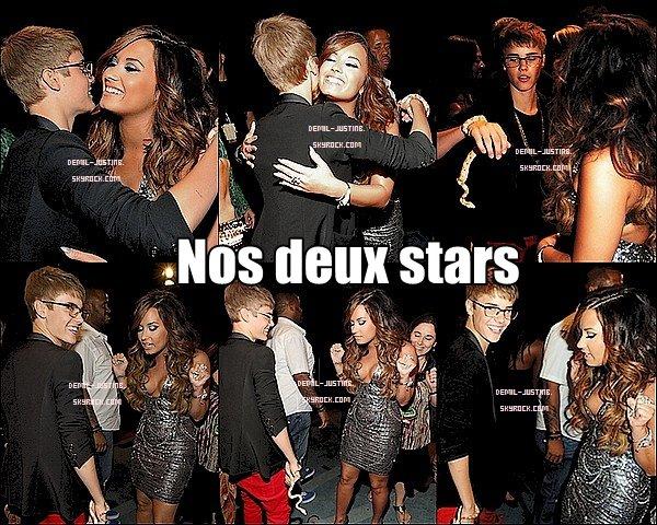 28.08.11 - Nos deux stars Demi & Justin sont été vue sur le tapis des MTV Vidéo Music Awards 2011. On peut voir enfin des photos d'eux deux ensemble. Top ou Flop ?