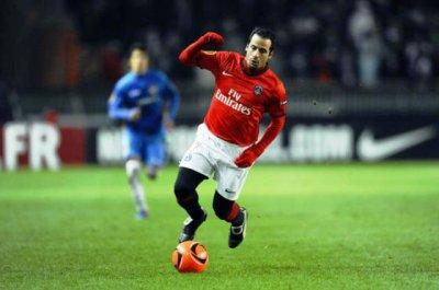 Maillot Europa league 2010 2011 PSG SEVILLA FC