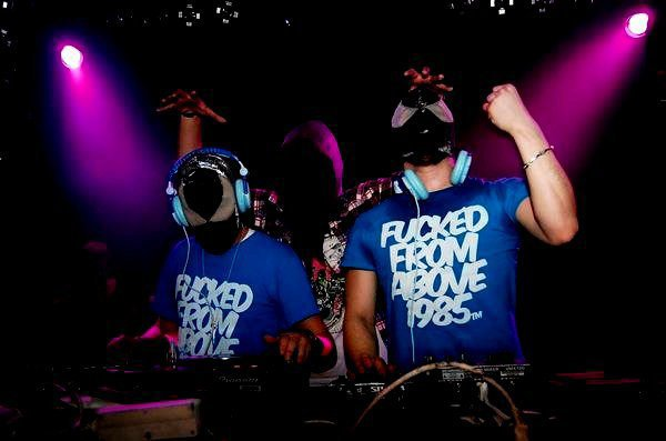 THE BLOODY BEETROOTS !
