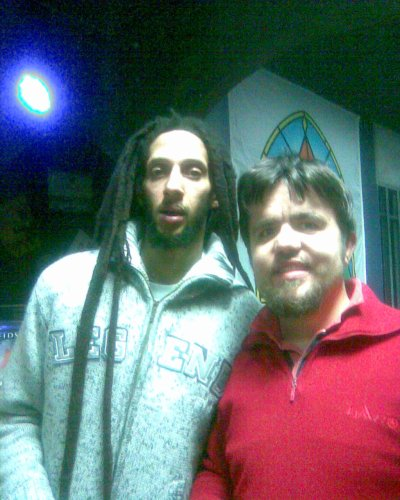 Avec Julian MARLEY