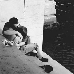 """""""Il n'y a pas six ou sept merveilles dans le monde ; Il n'y en a qu'une : c'est l'amour."""