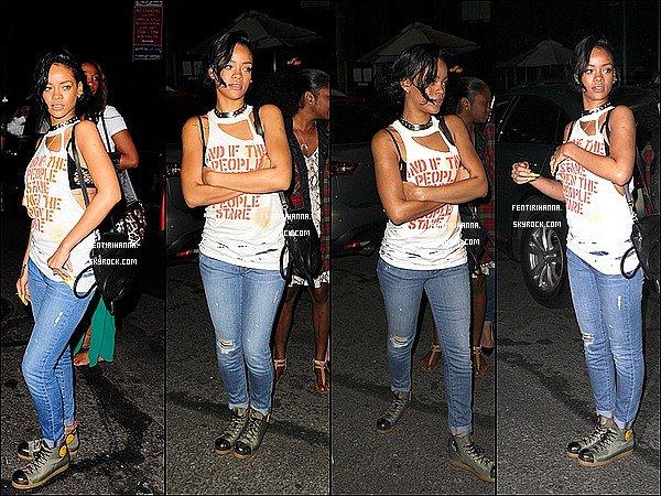 - 14/06/12 : Rihannaa été aperçue hier quittant son hôtel pour se rendre dans un bar new yorkais Elle étais en compagnie dequelques amis proches ainsi que Janise et Tamara, deux fans et amies du site. Top ou Flop ?- -