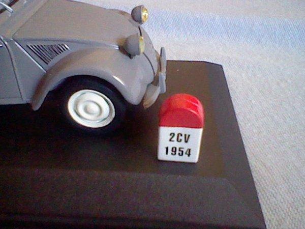 N° 1 : Citroën 2 CV Type AZ