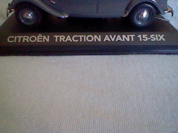 N° 2 : Citroën Traction Avant 15-Six