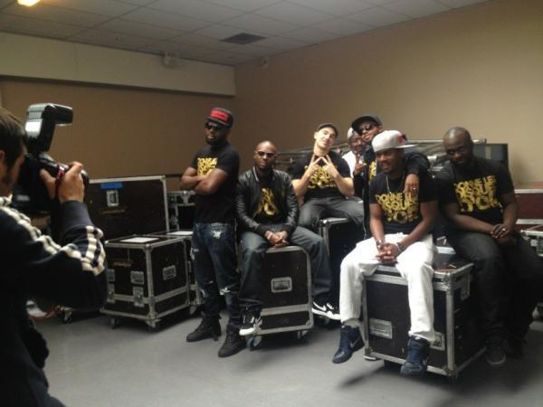 Le groupe en interview avant leur concert à Bordeaux !! Mate la Photo !