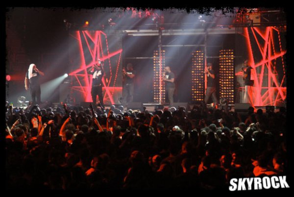 De nouvelles photos du grand concert WATI BERCI ce Mardi 22 MAI !!