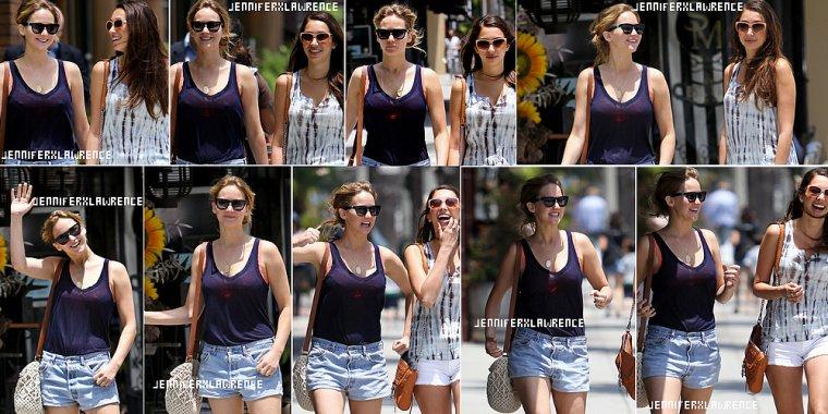 .20 JUIN. Jen déjeune avec une amie à Santa Monica (toujours) ... 2012... • Encore une tenue très basique, j'avoue que j'aime un peu plus de folie..