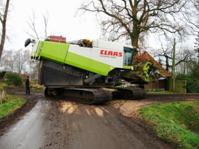 moisonneuse claas a chenille