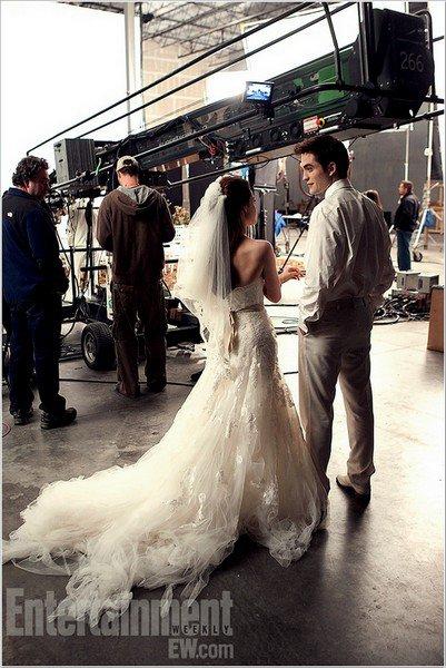 Nouveau still de BD1.Nouveau still d'Edward & Bella lors du tournage de Breaking Dawn part.1.